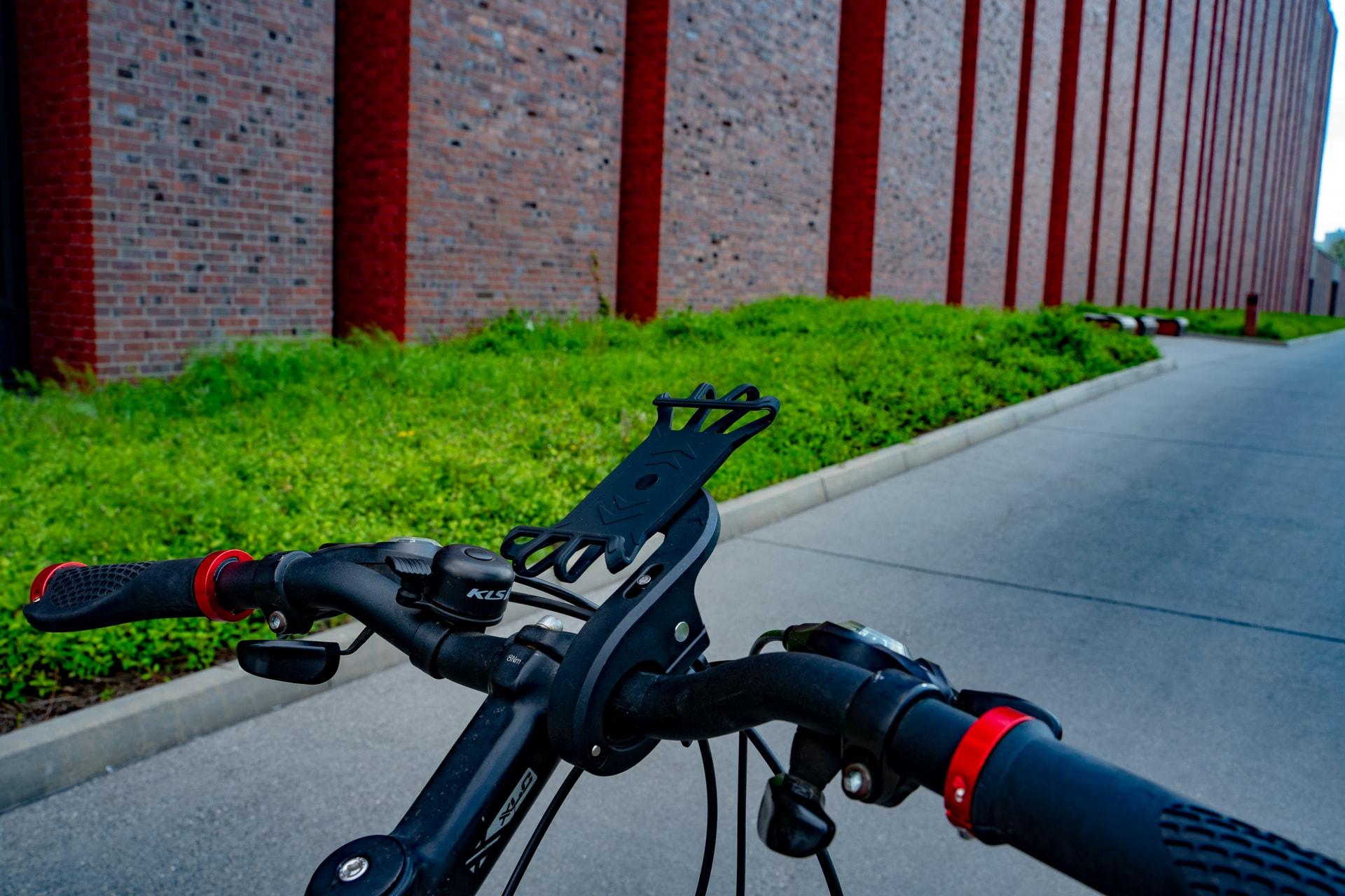 dwa uchwyty rowerowe promocja
